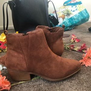 Brown ankle booties! Women size 11